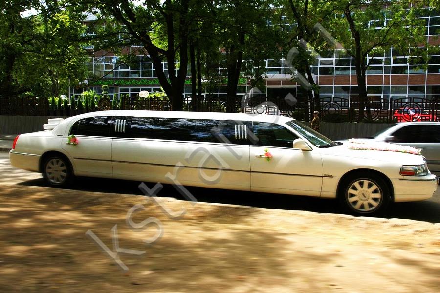 Лимузин в Севастополе - Линкольн Таун кар