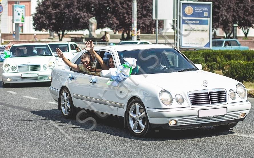 Машины на свадьбу в Симферополе - белый Мерседес w210